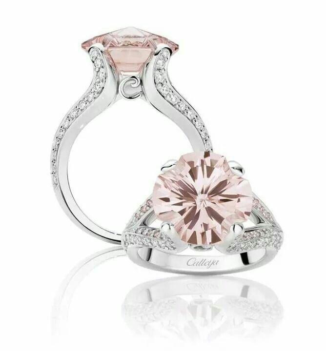 Stunning pink diamond & platinum ring