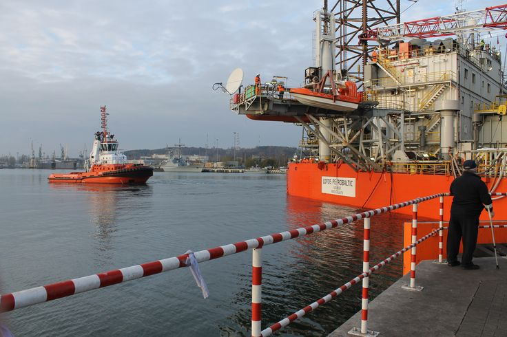 The scope of works included, among others, an inspection of the hull, repairs of legs and tanks, coating works, inspection of the pipelines and renewal of the shift rig system. photo: J. Staluszka
