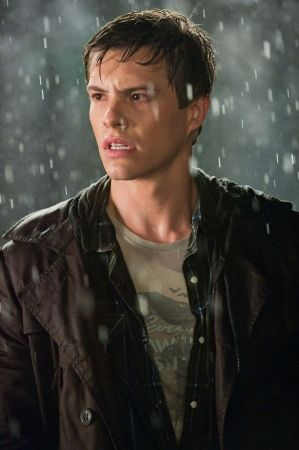Xavier Samuel, i knew i had seen this boy before, he's riley in eclipse