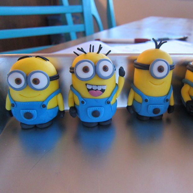 Instructions for fondant minions - could also use with polymer clay