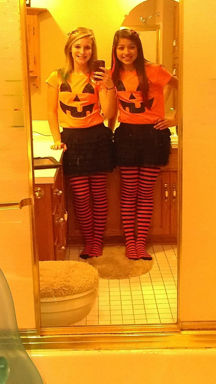 Matching Halloween costumes!! Awesome!!