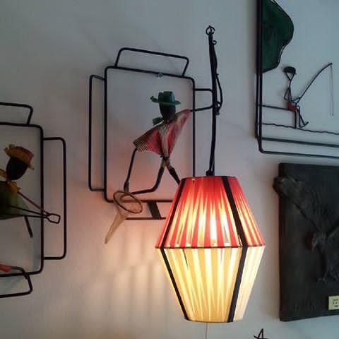 Uberkul stringlampe Veldig usikker på om dette er Bonfils, men rå er den uansett #stringlampe #brorbonfils #midcentury #retro #vintage #506070tallet #506070tal #retrohjem #retrointerior #interiør #midcenturyscandinavian #midcentury#artigkar