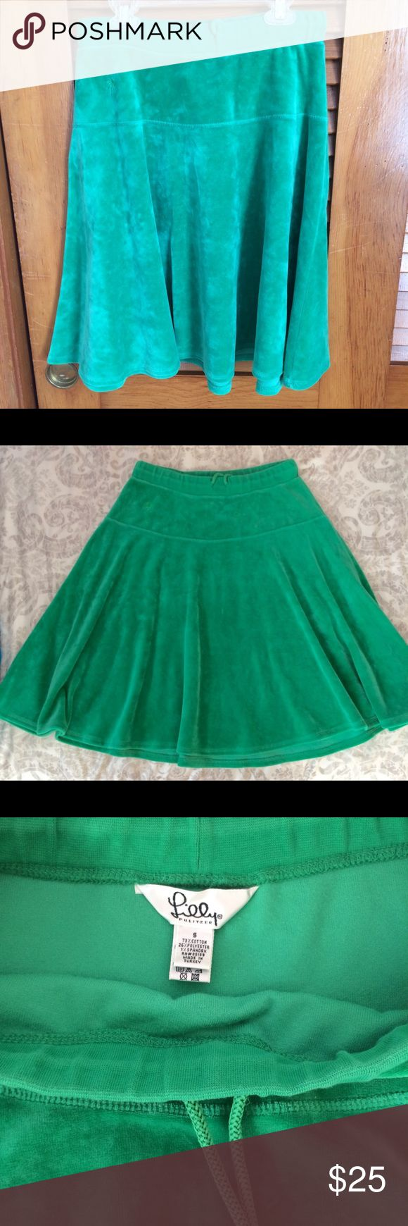 Lily Pulitzer velour skirt Brand new Lily Pulitzer velour skirt. In great condition, very comfortable fit and material. Lilly Pulitzer Skirts