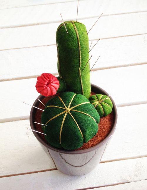 DIY Cacti Pin Cushions