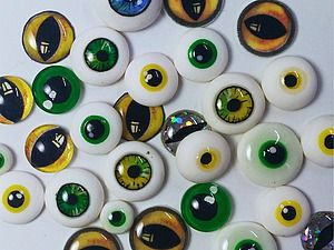 Видео мастер-класс: 10 способов сделать глаза для игрушек - Olga Koshenova - Ярмарка Мастеров http://www.livemaster.ru/topic/1888951-video-master-klass-10-sposobov-sdelat-glaza-dlya-igrushek