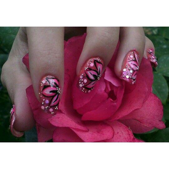 Confira a nossa#galeriade#fotos, com 22#unhas#decoradascom#flores, inspiradas na#primavera    Galeria de Fotos:http://bit.ly/1mqIpzr    Facebook: http://on.fb.me/1otglf5    #manicure#pedicure#nailart#nail#spring#decorated#flowers