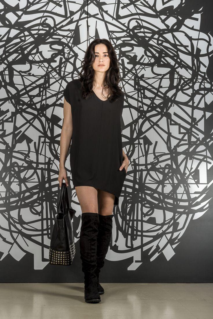 Vestido Leah + Cartera Punk +Bucaneras Fiorella