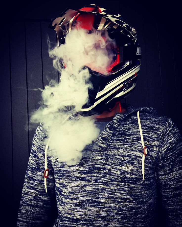 My lips are chapped and faded. 🚭 #vape #smoke #helmet @kevin.carlos.t