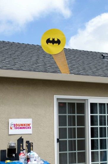 batman theme: The Bat signal