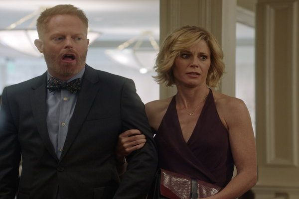 Watch Sarge & Pea - Modern Family Online | Stream on Hulu