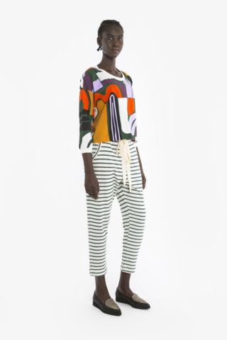 ZORA TOP and TRAVELLER PANT from Obus Spring17 | A relaxed fitting cropped long-sleeve top with a brightly coloured Obus print.