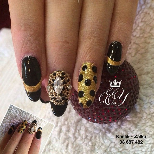 #Black&Gold #naildesign to make you feel a #queen. #esteticayoumna #kaslik #zalka #glam #nailart #gelnails #nails #lebanon #beirut #jounieh #kaslik #usek #byblos #livelovebeirut #livelovelebanon #dubai #qatar #beautylebanon #proudlylebanese #lebanesegirls