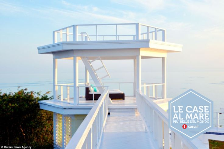 Pi di 25 fantastiche idee su case al mare su pinterest for Colline o cabine marroni