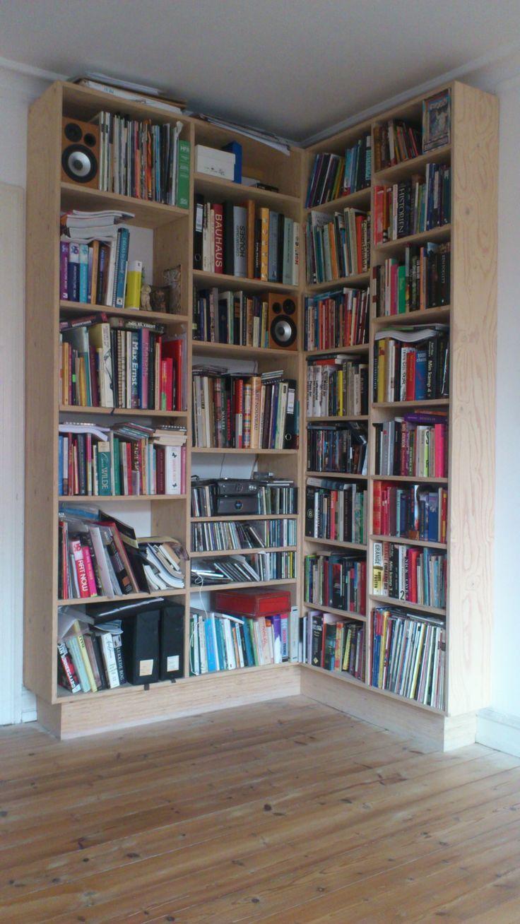 #indretning #interior #furniture #design #snedkeri #handmade #plywood #bookshelves #reol #opbevaring #rum4 #karstenk