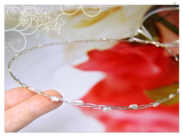 Haarschmuck & Kopfputz - Haarkranz mit kleinen Perlen Tiara Hochzeit Braut - ein Designerstück von Antonina bei DaWanda