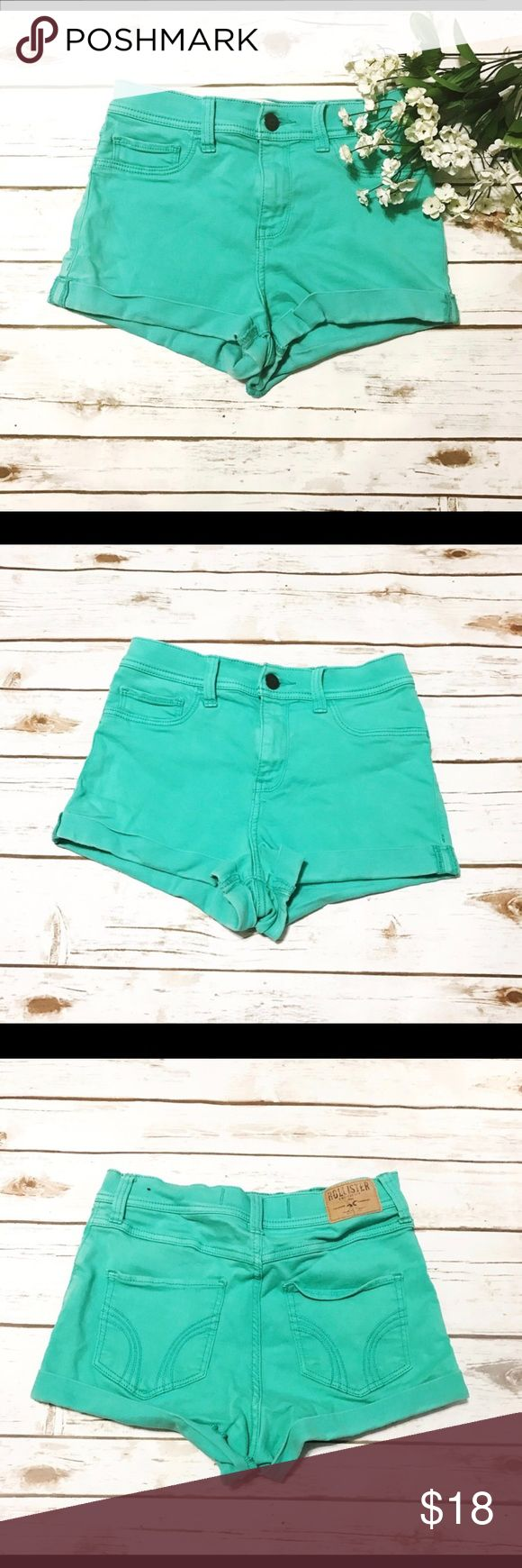 Hollister Mint Green Shorts Hollister mint green shorts. Size 3 w26. In great condition. Let me know if you have any questions! Hollister Shorts