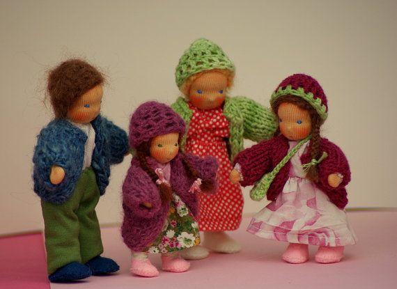 Puppenhausfamilie Biegepuppen Vater Mutter zwei von Farbenmaerchen
