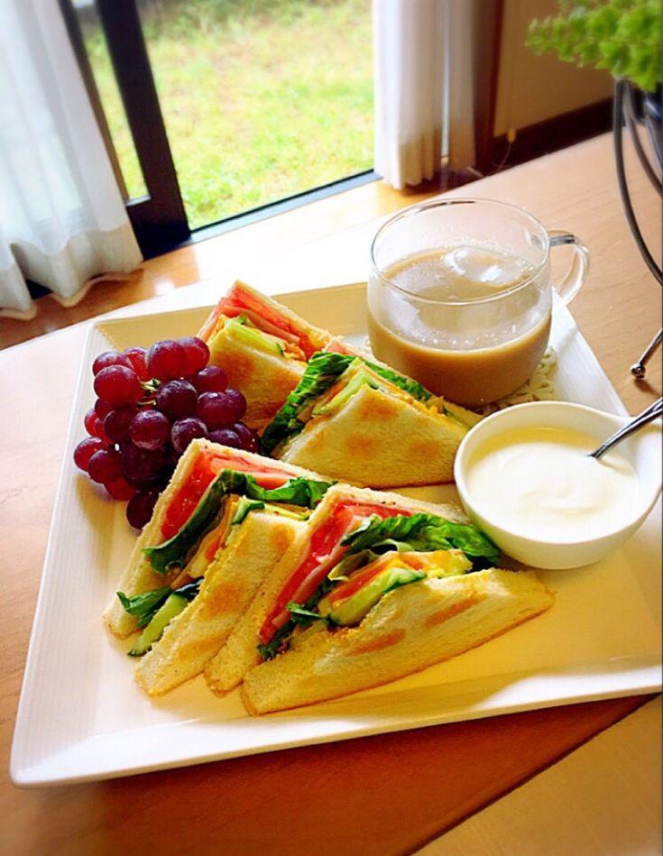 くうちゃん's dish photo たっぷり野菜のハム玉子サンドde のんびりまったりな朝食   http://snapdish.co #SnapDish #レシピ #簡単料理 #サンドイッチ #食パン