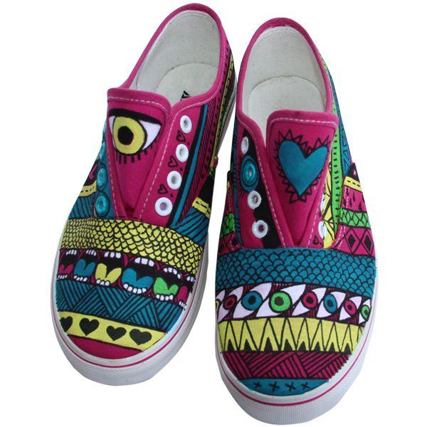 "Zapatillas modelo Aztecas rosa. Compralas en http://pnitas.es/comprar/zapatillas-2/aztecas Sneakers model ""Pink Aztec"" Buy it at http://pnitas.es/en/shop/sneakers/sneakers-modelo-pink-aztec/"