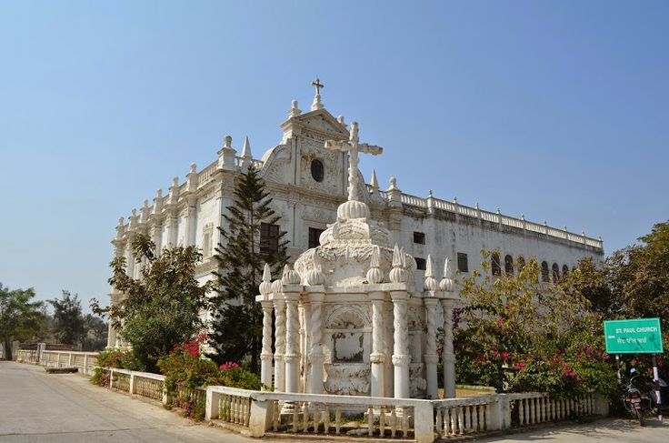 #St_Paul_Church #Diu : The St Paul Church located in the Diu Island is one of the best examples of Baroque architecture. It was constructed during the #Portuguese Rule. You will surely relish the time you spend here as the place offers peace and serenity. The #church is named after Jesus Christ's Apostle St Paul and is a holy location for the Roman Catholics. #travel #destination #wanderlust