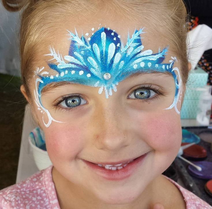 Super Quick Elsa Crown Facepainting Utahfacepainter Elsa Frozen Makeup Maquillage Reine Des Neiges Maquillage Elsa Maquillage Enfant Facile