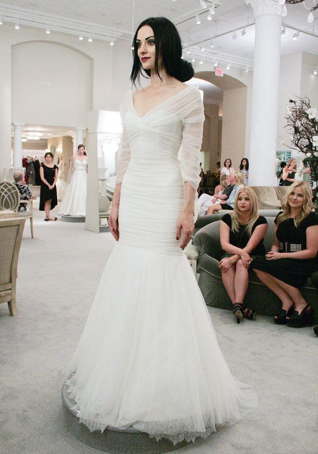 I am so in love with this dress from Season 10, Part 9 of Say Yes to the Dress...I'd love this in black omg