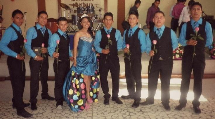 15 Anos Dresses From Mexico: Mi Vestido De Quince Años, Con Un Poco De Chambelanes Y