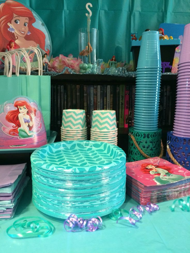 Disney's The Little Mermaid Girl's Birthday Party Decorations / Under the Sea / Ariel / Fish / Jellyfish / Seaweed /Bubbles / Coral / Streamers / Balloons / Teal / Aqua / Turquoise / Blue / Purple / Green / Wall / Table / Plates / Napkins / Forks / Spoons / Knives / Cups / Bowls / Child's Party