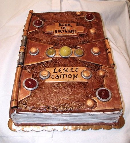 Dungeons & Dragons Cakes: The Nerdiest Pastries in the Universe -- Dungeon Master Says Eat!