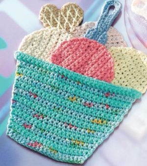 Ice Cream Sundae Crochet Potholder - Trafalgar Square Books ༺✿ƬⱤღ  http://www.pinterest.com/teretegui/✿༻
