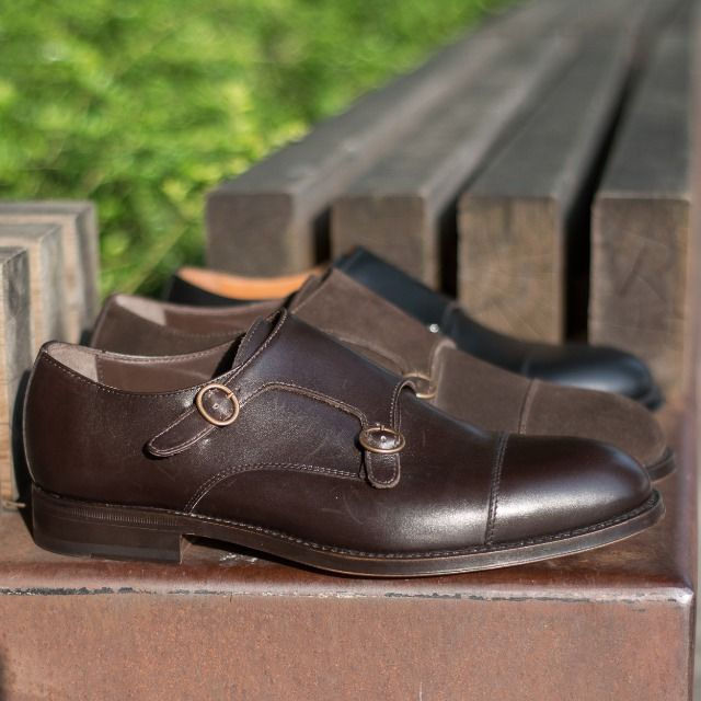 """All you need in this life is ignorance and confidence, and then success is sure."" Mark Twain  Our #Doublemonks collection available online at www.velasca.com. Link in profile to #shop. €179. Free Shipping to EU, USA & Canada  #velascamilano #madeinitaly #shoes #shoesoftheday #shoesph #shoestagram #shoe #fashionable #mensfashion #menswear #gentlemen #mensshoes #shoegame #style #fashion #dapper #men #shoesforsale #shoesaddict #sprezzatura #dappermen #craftsmanship #handmade"