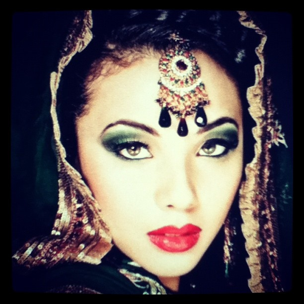 Another #indian #bridal look #bride #jewellery #bling #filters #green #hot #sexy #model
