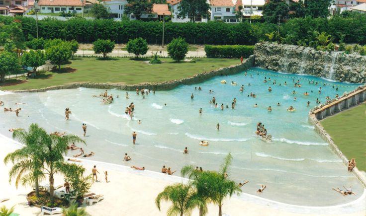 Praia artificial no clube aquático Thermas do Vale, zona oeste de São José dos Campos