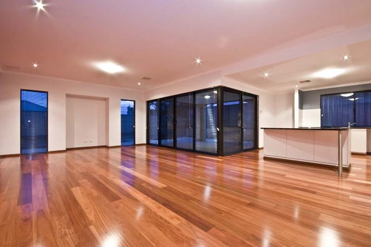 Single strip boards with a lot of colour variation work superbly in the large open plan room. For small rooms consider 3 strip floorboards to create the same feel in smaller spaces.