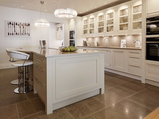 Open Plan Family Kitchen - Tom Howley