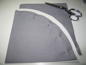 How to cut a really large circle from cloth without a pattern - tree skirt base, anyone? :)