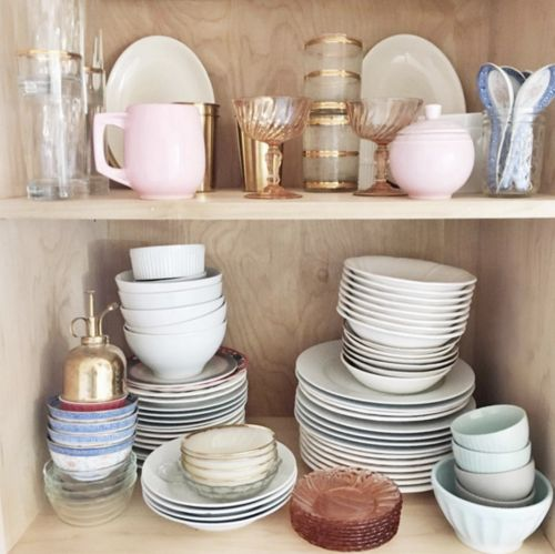 DOMINO:25 chic kitchen #shelfies giving us goals