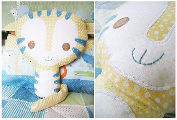 Подушка-тигренок