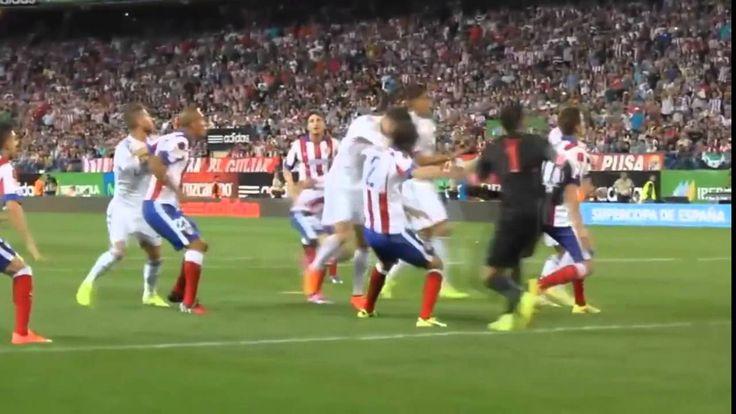 Cristiano Ronaldo Punches Diego Godin on the field ( Athletico Madrid 1-...