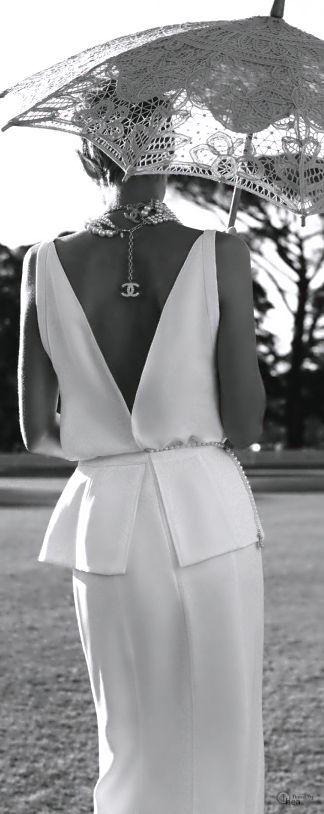 Chanel #highfashion #inspiration #moderndesign luxury design, luxury, fashion. Visit www.memoir.pt