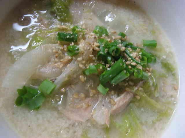 白菜とツナの豆乳みそスープの画像