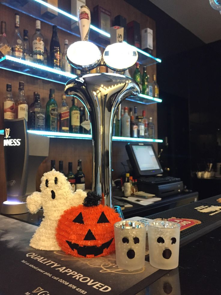 The Halloween spirit took over the interior areas of the The Queens Gate Hotel! Shall we spook you with our special decor? #HappyHalloween everyone!