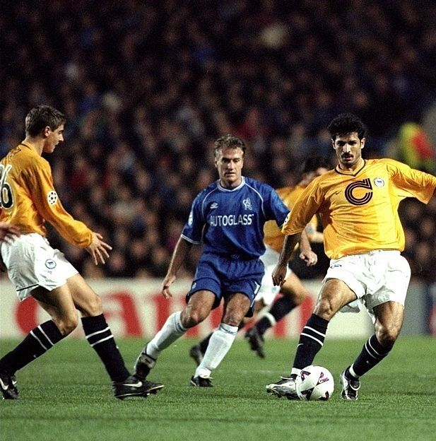 Chelsea 2 Hertha Berlin 0 in Nov 1999 at Stamford Bridge. Didier Deschamps closes in on Ali Daei in the Champions League, Group H tie.