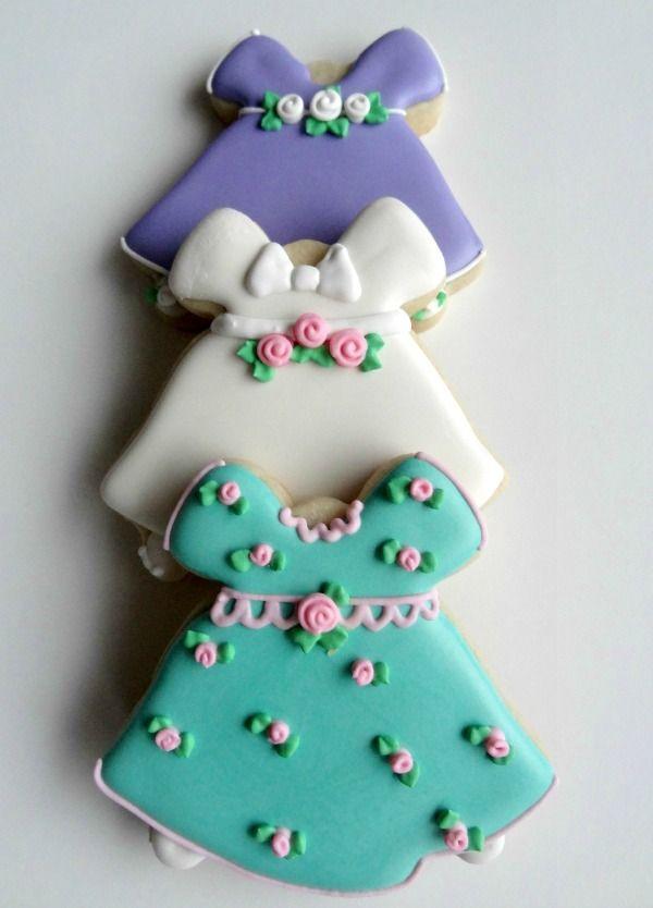 Vestidito Bebé con contador de doble campana ♥SweetSugarbelle♥ http://www.sweetsugarbelle.com/2013/03/easter-dress-cookies-with-flour-de-lis-guest-post-2/