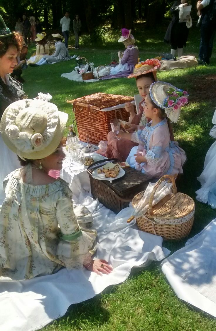 Baroque picnic at the Villa Reale di Monza. May 15, 2015