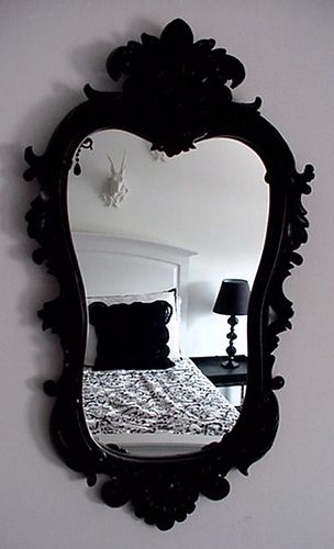 Love this black mirror. Would look amazing up against a pink or my Tiffany blue wall ❤