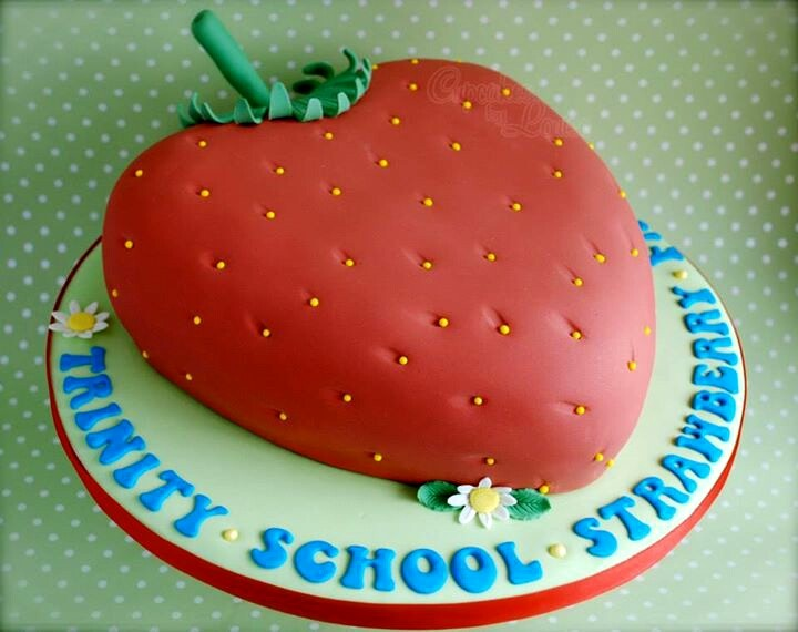 Strawberry cake cake decorating ideas Pinterest