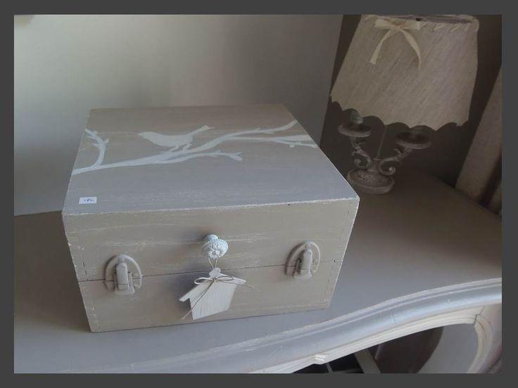 boite bois patin e ficelle et perle d co dans un esprit vintage. Black Bedroom Furniture Sets. Home Design Ideas