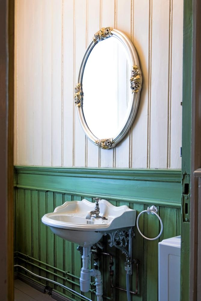 147 best Antique & Vintage Sinks images on Pinterest | Vintage sink ...