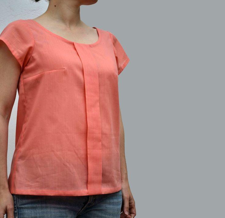 Mi segunda blusa para el Spring Top Sewalong es la Sorbetto . Un patrón gratuito de Colette patterns. Se cose muy rápido y la batista que...